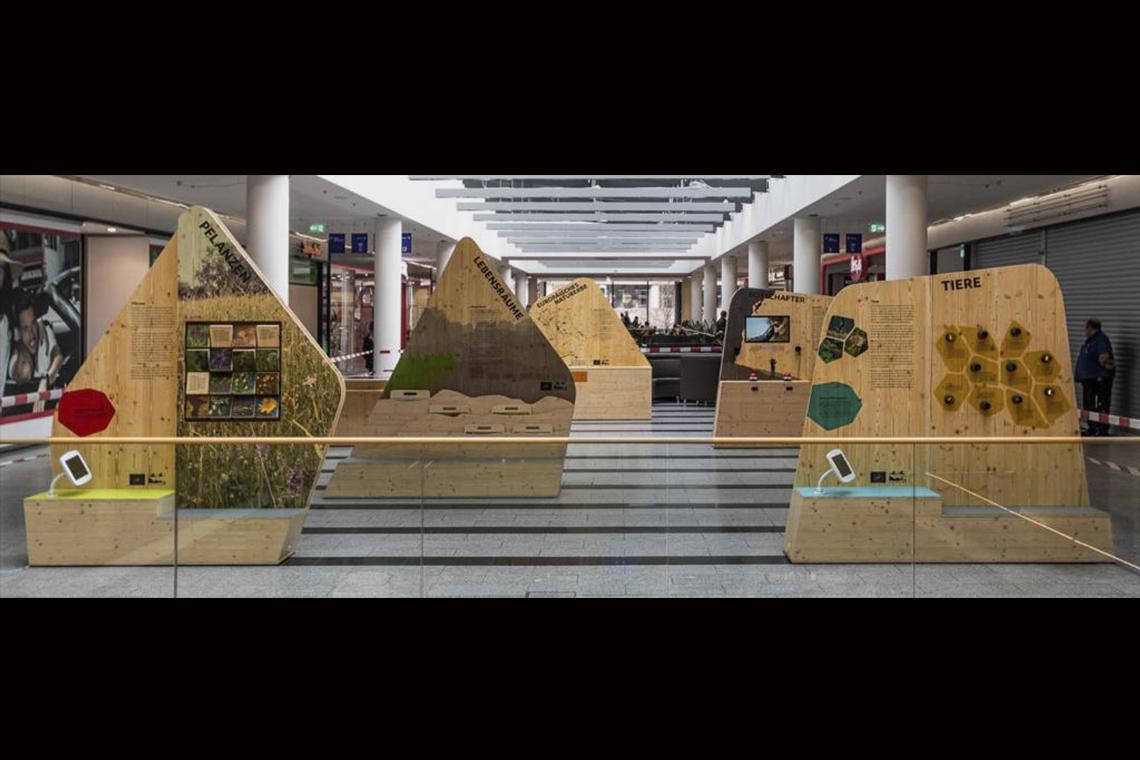 Flexible Präsentation der Ausstellung  im öffentlichen Raum