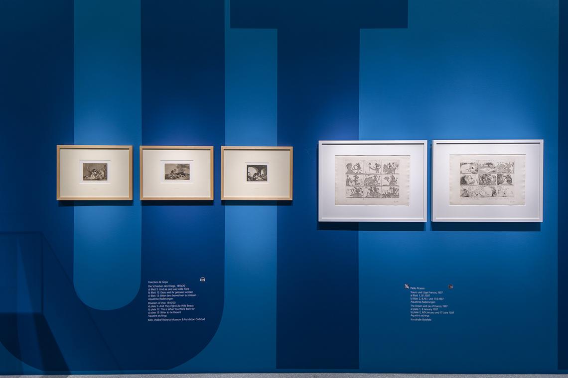 """Bereich """"Leidenschaft und Politik"""". Raumgreifende Typografie"""